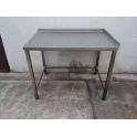 Pracovní stůl s policí, zadní lem s rozměry 1000 x 400 x 900 mm